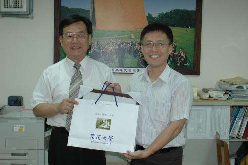 【94年度】廖炳惠校友、賴峰偉校友